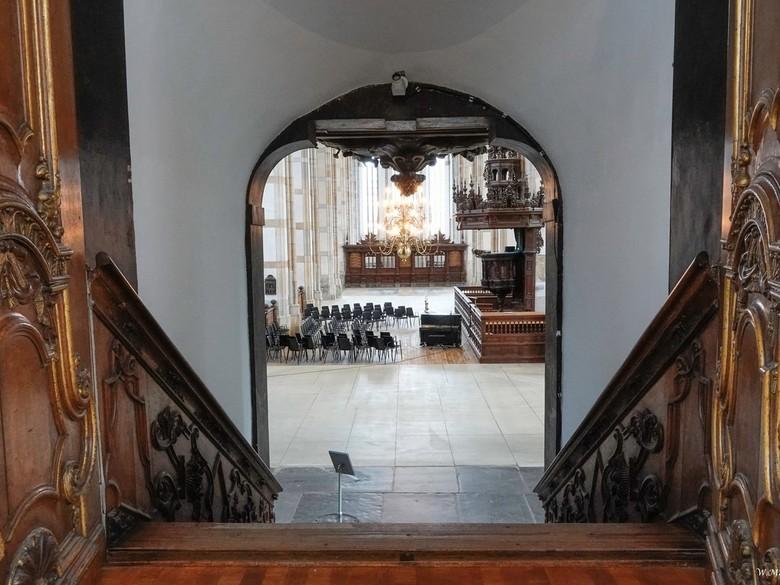 Doorkijk in de Grote Kerk in Zwolle - De laatste foto van de Grote- of Sint Michaëlskerk in Zwolle.De huidige kerk is in de periode 1406-1466 gebouwd