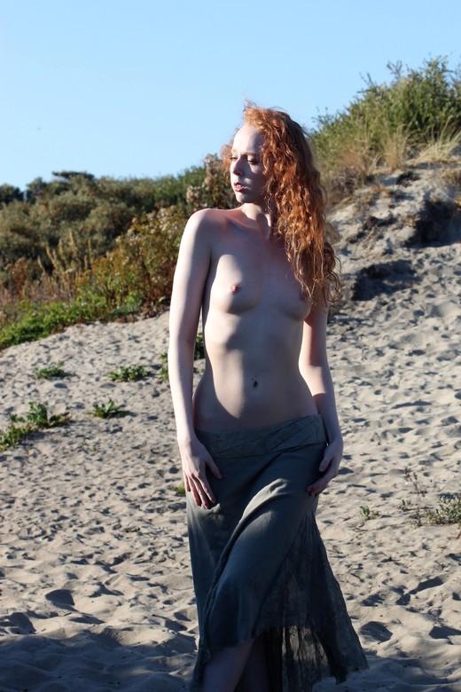Gemma in the dunes -