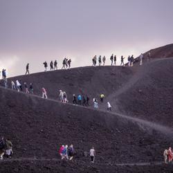 Wandelen naar de top van Etna