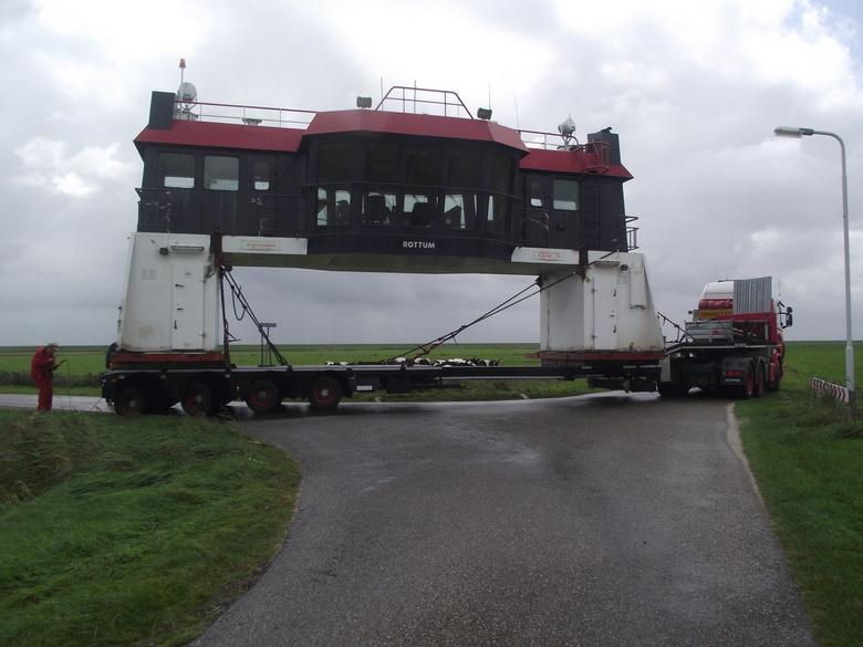 Vervoer scheepsbrug - Scheepsbrug stond in de planning om gesloopt te worden maar het maritiemmuseum had er wel belang bij wel iets voor de toeristen