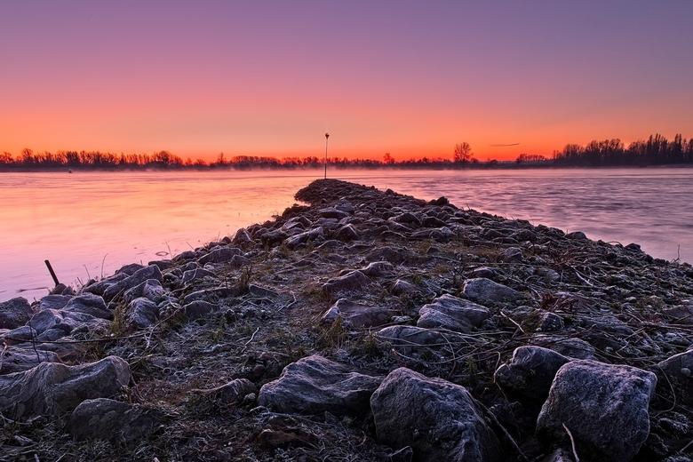 Sunrise - Zonsopkomst bij de Waal in Nijmegen
