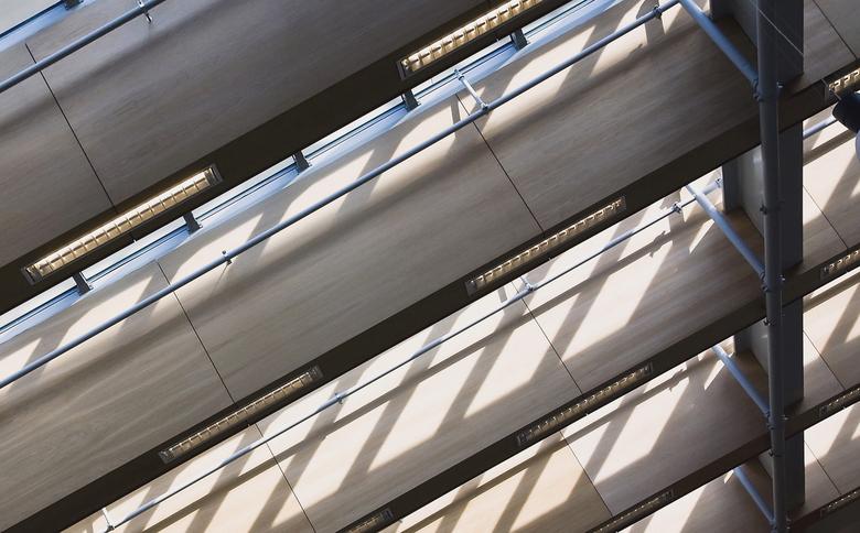 Da Vinci Alphen a/d Rijn 8 - Dit is het dak boven de hal van het winkelcentrum.