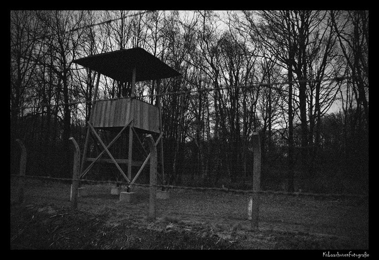 Oorlogsherinnering - Foto genomen vanaf Kamp Vught, ruis toegevoegd en zwaar onderbelicht met een forse vignettering om het grauwe effect van de oorlo