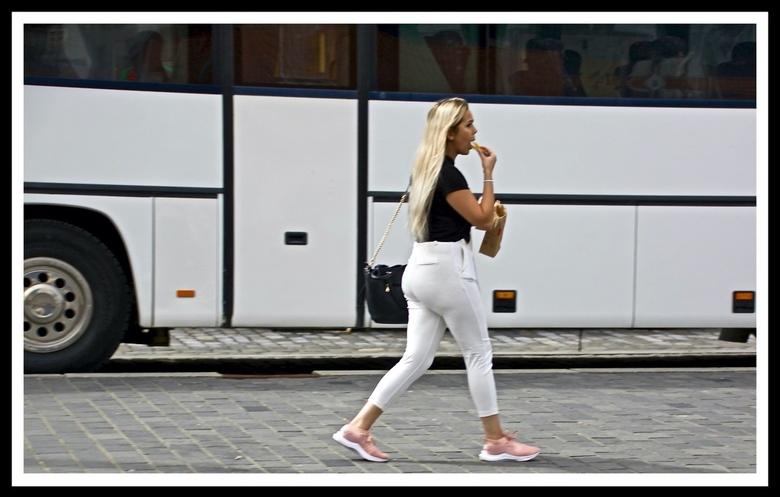 You can easily catch the bus ... - Bedankt voor de reacties bij de vorige foto&#039;s ...<br /> <br /> Bekijk het wel even vergroot ...You can easil