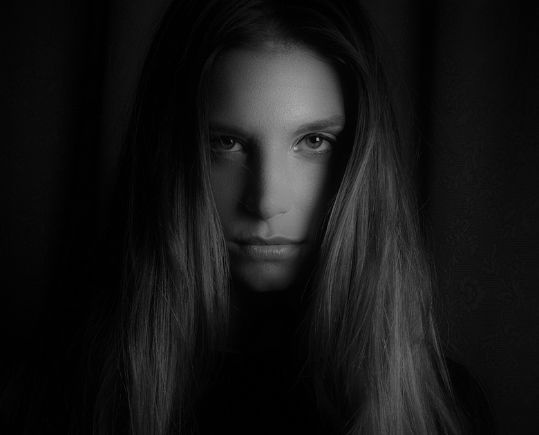 If eyes could tell the truth - Model : Arianne van Essche