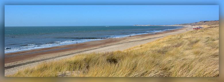 Strand Dishoek 3 - Afgelopen dagen lekker weer geweest, dus heerlijk om langs het strand te wandelen.<br /> Al is dit een foto van afgelopen februari