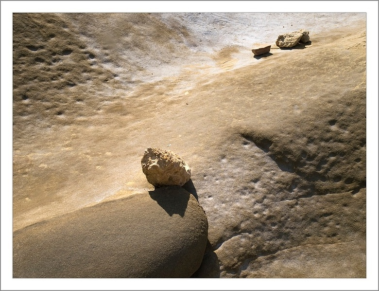 Steenformatie - Tijdens een van mijn reizen op de Turkse gedeelde van Cyprus zag ik deze prachtige - door zout water uitgesleten -steenformaties. Ik b