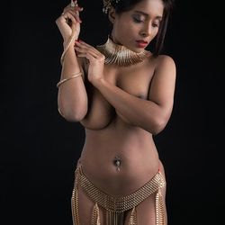 Naked Soul in gold