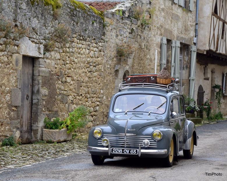 Renault in Charroux