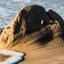 Een bult zand op 't strand