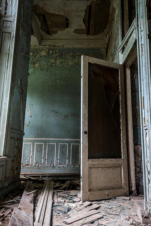 Who's there? - Een foto van binnenin Chateau Noisy.