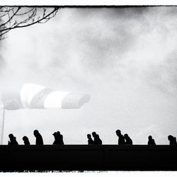 'samen tegen de wind in'