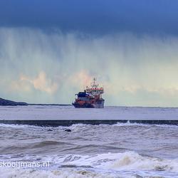 Boot op weg naar de Nieuwe Waterweg