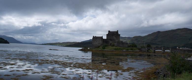 Eilean Donan Castle - Eilean Donan Castle in Scotland.