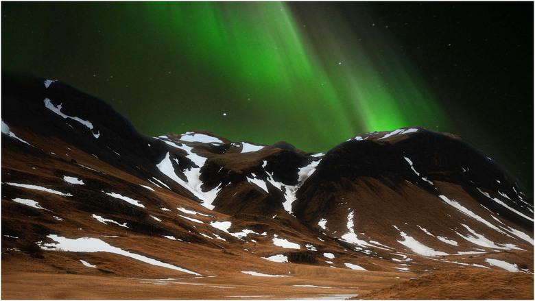 Electric green - Impressie van het noorderlicht in Ijsland.
