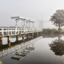 Kinderdijk in Mist