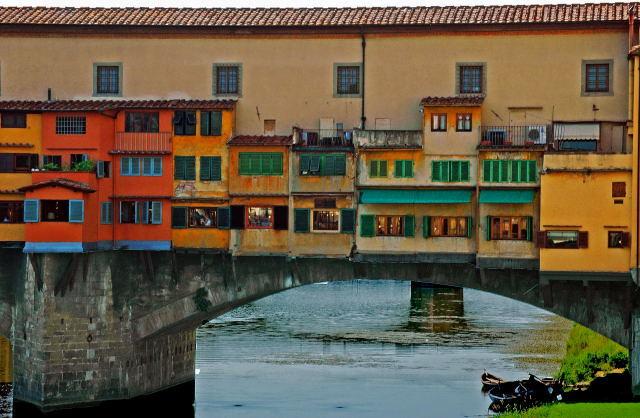 """Ponte Vecchio - De bebouwde brug in Florence:""""Ponte Vecchio""""."""