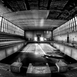 Abandoned swimmingpool