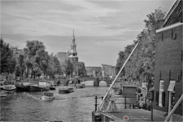 Oudeschans - Oudeschans te Amsterdam, originele foto bewerkt om een soort van schilderij effect te krijgen