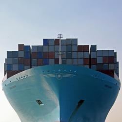 Emma Maersk recht van voren