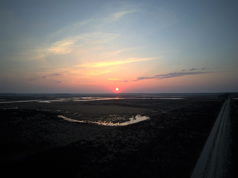 Zonsondergang vanuit de lucht - Afgelopen maandag de zonsondergang op het Dwingelderveld, gemaakt met een Drone tijdens mijn 4e vlucht