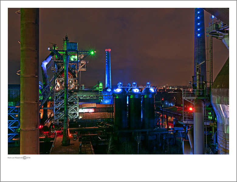 Duisburg 63 - Ja die kleuren die waren er echt zo, grote gekleurde lichtbakken,mooi effect toch.<br />