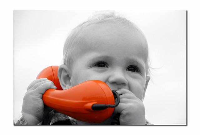 Wie heb ik aan de lijn? Hallo hallo...2 - Nog eentje uit de telefoon sessie. Deze is door ZOOMmaatje Sphinx omgezet in Z/W, (bijna binnen de lijntjes
