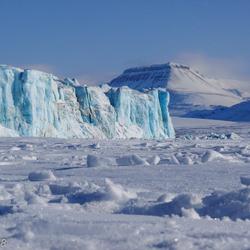 80 m hoge gletsjer