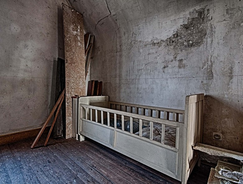 Crib - without baby...