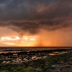 onweersbui aan de zeeuwse kust