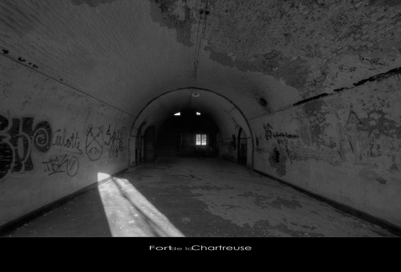 """LaChartreuse 14 - Welbekend verlaten Fort """"ergens"""" in Belgie,.."""