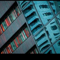 Architectuur:      Met de N van Net Niet