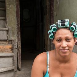 Cubaanse met Krulspelden