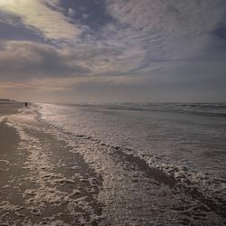Tegenlicht op het Egmondse strand.