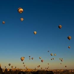 Sunrise vanuit een hete luchtballon