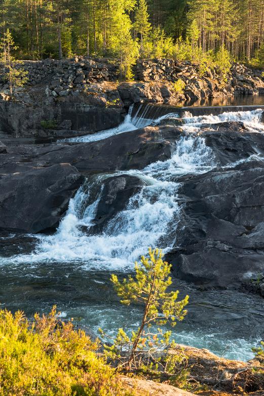 noorwegen waterval Leira 1noorwegen waterval Leira 1 - noorwegen waterval bij Leira 2
