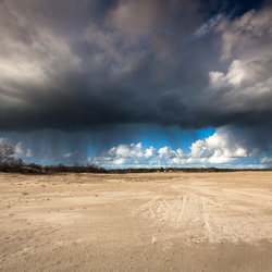 zon wind en regen in de loonse en drunense duinen