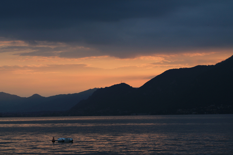 Watch The Sunset With Me - Zonsondergang in Iseo, Italië.