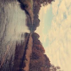 Herfsachtig kanaal
