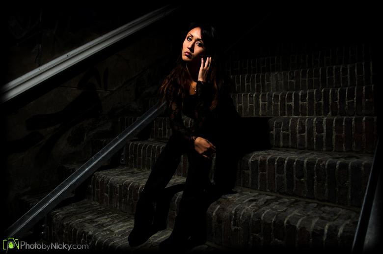 Sitting on the Steps - Speciaal voor Anthony!<br /> Dit is de foto waar ik het over had maar had m nog niet geplaatst zag ik. Bij deze voor iedereen