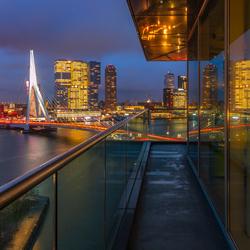 Uitzicht vanaf het panoramadak van het Inntel Hotel in Rotterdam