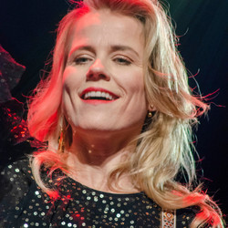 Ilse DeLange - New Amsterdam / Gravel & Dust Tour