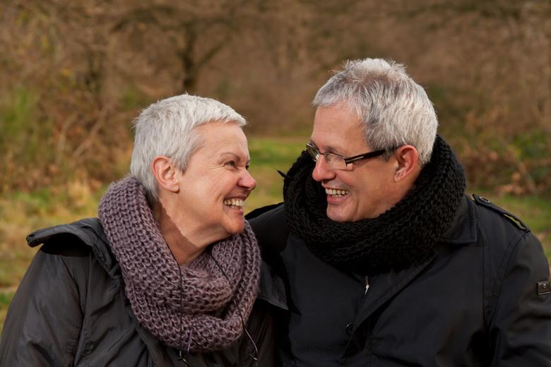 35 jaar getrouwd - Als verrassing een fotoshoot voor hun 35-jarig huwelijk. Het was koud, maar toch lekker naar buiten. Echte schaatsliefhebbers, maar