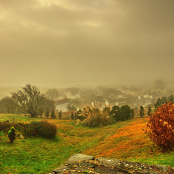 Welsh village in the mist._01