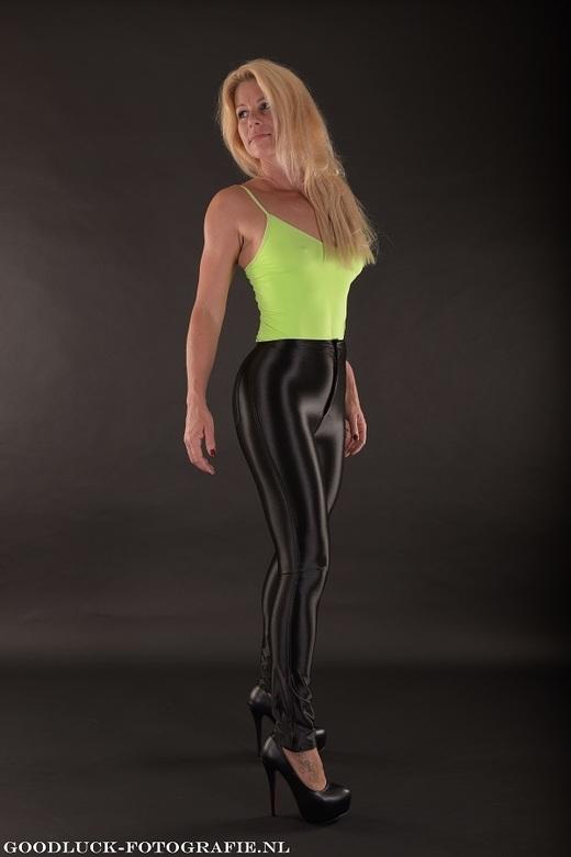 "Fitness babe - Studio shoot met dit mooie blonde fitness model<br /> <br /> <a href=""http://www.goodluck-fotografie.nl/"">goodluck-fotografie.nl</a>"