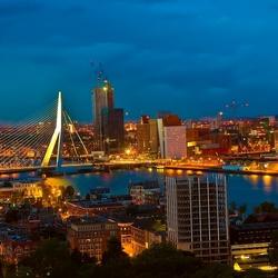 Rotterdam vanaf de Euromast 's-avonds