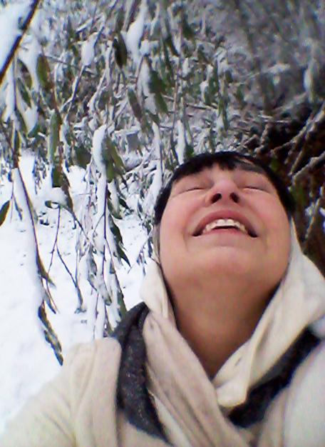 20171210 Erna Daalman - Zelfportret in de eerste sneeuw van 2017 op 10 december = genieten!
