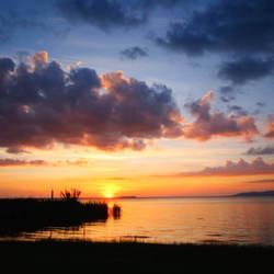 Ondergaande zon aan het Lago de Trassimeno