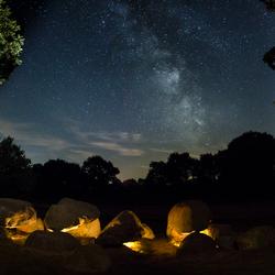 Hunebed onder de sterren