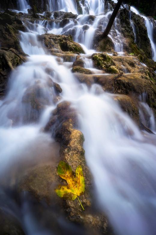 Seasons come and go - Omdat we hier in Nederland een groot gebrek aan watervallen hebben, is het des te leuker als je in een land komt waar dit zeker
